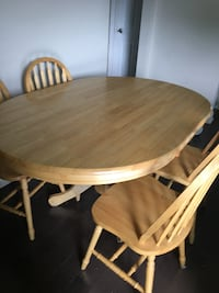 Dining table  Oshawa