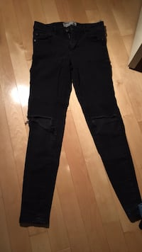 Ladies black jeans (garage brand)  Maple Ridge, V2X