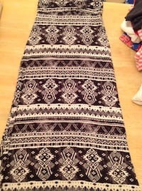 Black and white patterned Maxi skirt like new Sz Small  Derry, 03038