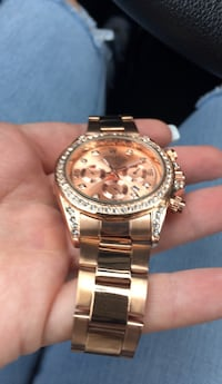 round gold-colored chronograph watch with link bracelet Chevy Chase, 20815