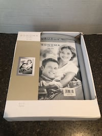 Set of 2 Brand new picture frames 8x10 $10 for both Manassas