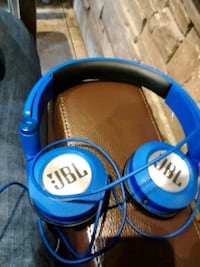 JBL headphones 40 or best offer need cash today