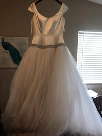 Wedding Dress sweet 16 dress $75 OBO