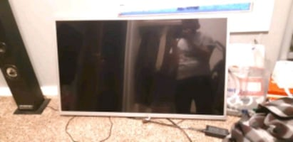 40 Inch Element HD TV