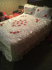White and red bedding set, 3 pieces