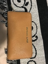 Brown Michael Kors wallet in excellent condition!!