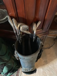 Titleist 2-9 irons and assorted golf clubs Fairfax, 22033