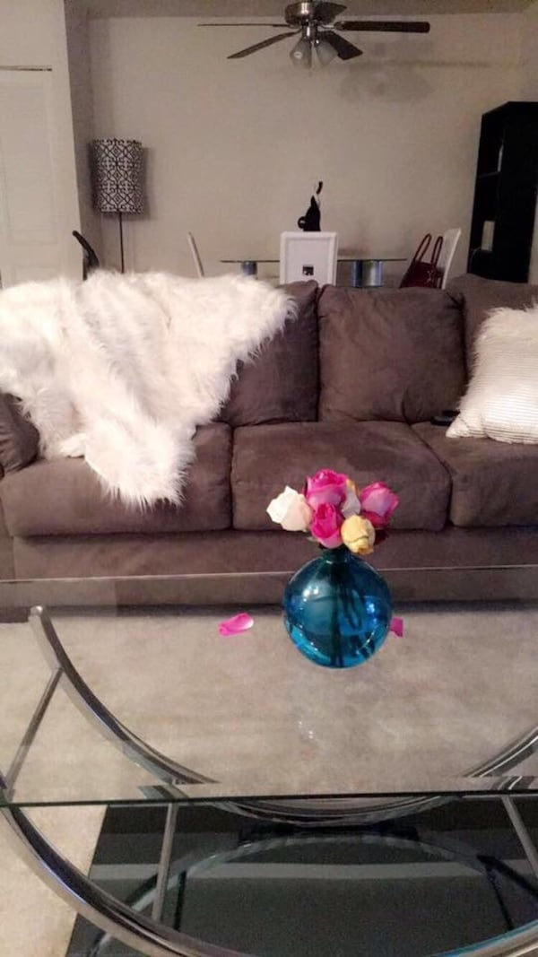 Couch, love seat, coffee table & 2 end tables d49a8669-c348-4a32-a003-c4ff76efd5ed