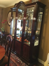 Cherry wood dining table with 8 chairs, china cabinet and Hutch Vaughan, L4L