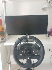 Logitech g920 pc/Xbox one + stand