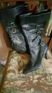 Leather boots with buckles  Ulster County