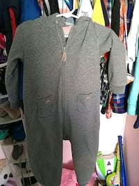 gray and black zip-up jacket Pacifica, 94044
