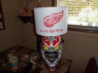 LARGE ONE OF A KIND DETROIT RED WINGS HOCKEY GOALIE MASK TABLE LAMP