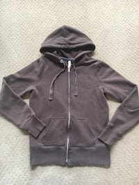 Old Navy woman's brown hoodie. Size small. Good condition. Smoke free, pet free! Mt Vernon