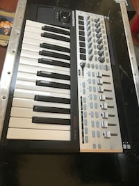 Novation 25SL MkII 25 Key MIDI Controller