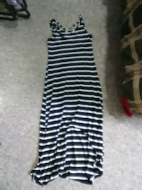 Women's long summer dress size s/m Duncan, V9L 2Z1