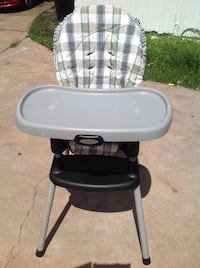 baby's white and black Graco high chair Houston, 77036