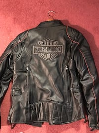 Woman's leather jacket size med.
