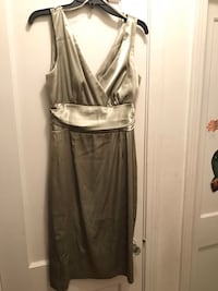 Dress olive green $15, women's size 10 Dallas, 75224