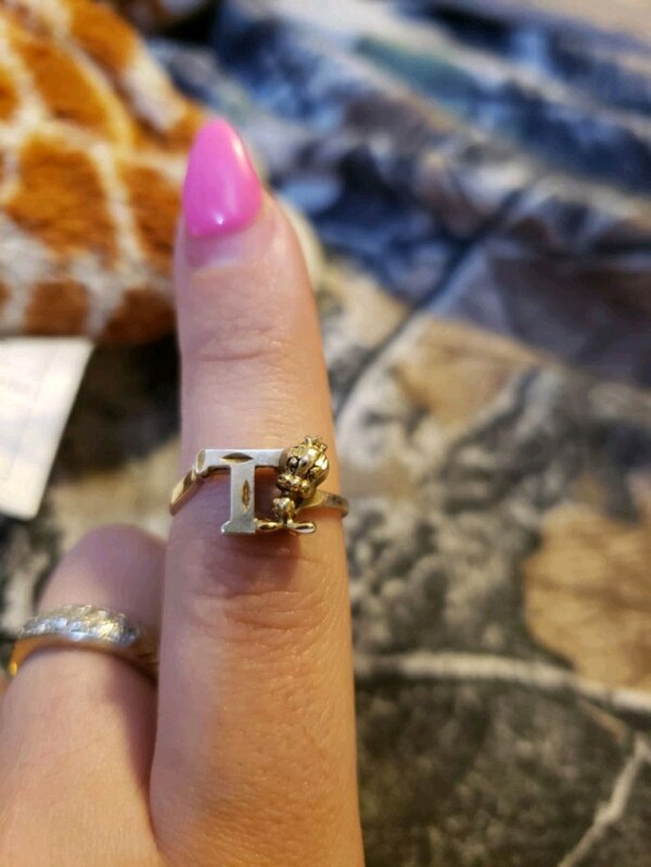 Tweety bird ring  186b92d4-0312-4d13-97cf-0b63b0226928