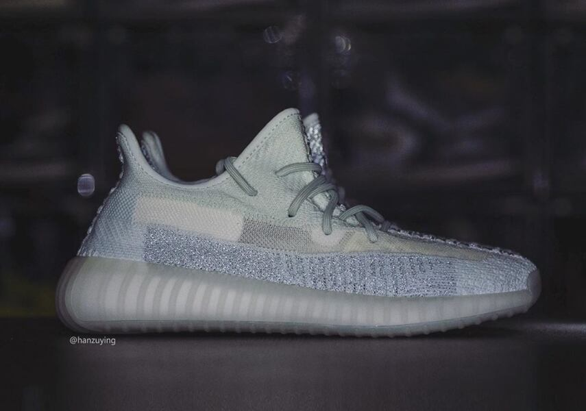 Yeezy 350 V2 cloud white reflective, stock new 3