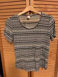 Black and white H&M top Vancouver, V6J 1J6