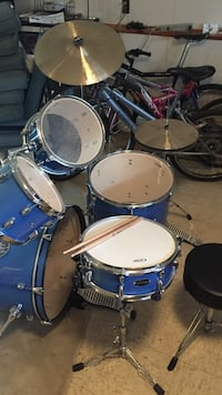 blue and white drum set Stony Point, 10980