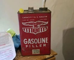 Vingtage gas can