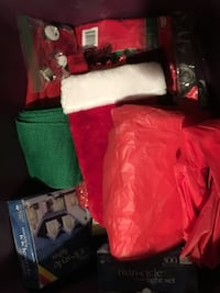 Christmas decorations (assorted) tub included