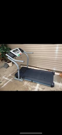 Flexstep cushioning treadmill C 1800s in excellent works conditions heavy load in Shakopee Shakopee, 55379