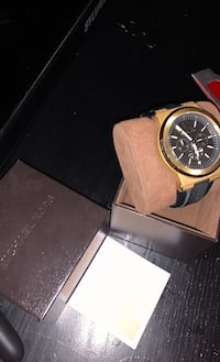 Like new michael kors mens watch gold face box and papers Pickering, L1V 7C5