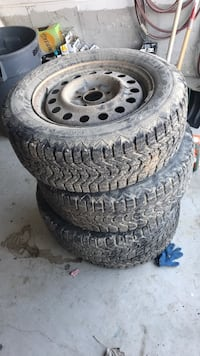 Gray auto wheel with tire set Innisfil, L9S