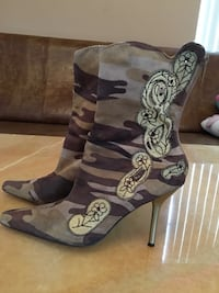 Gray-brown-and-black camouflage stiletto booties