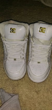 DC skating shoes leather size 9 Manteca