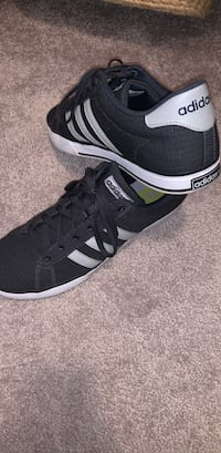 Adidas Men's NEO Shoes Size 12 Frederick, 21704