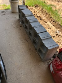 6 new cinder blocks
