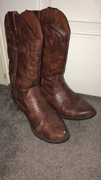 pair of brown leather cowboy boots Winnetka, 60093