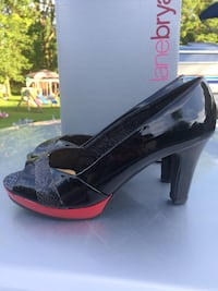 Lane Bryant women's size 10 black and red peep toe heels Victor, 14564