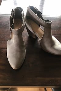 Grey suede shoes, size 9M Су-Фоллс, 57108