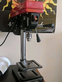 Drill press with chuck and chuck key Springfield