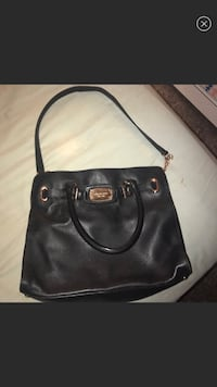 black leather 2-way handbag White Plains, 10603
