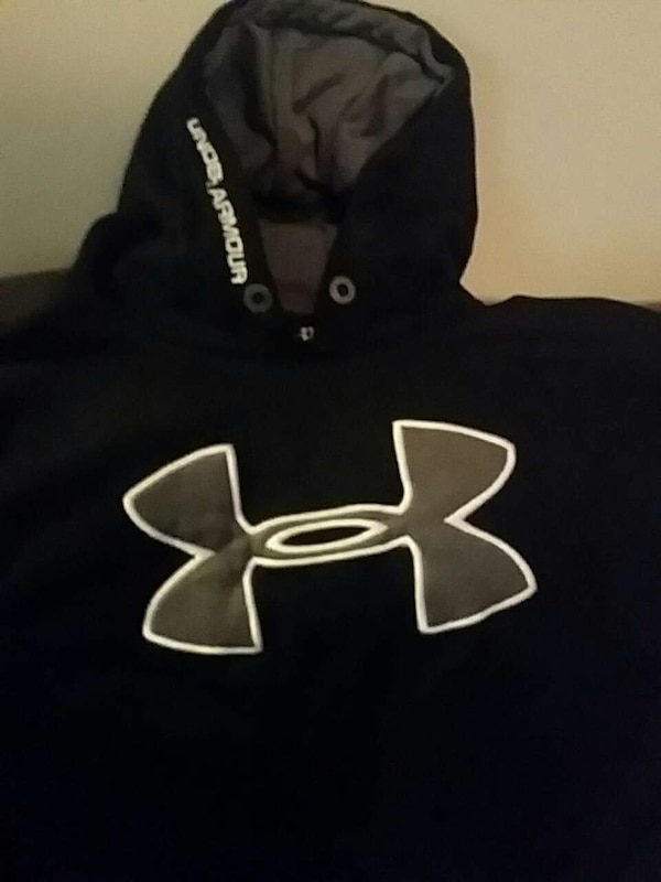 109fdd18f Used Navy blue Under Armour Hoodie for sale in Normal - letgo