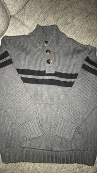 Boys sweater Windsor, N8W 3K8