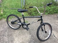 Black and gray bmx bike Youngstown, 44511