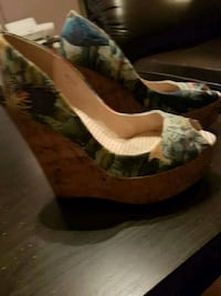 Lately warm women's size 7 and a half wedge heel Winnipeg, R3M 2K4