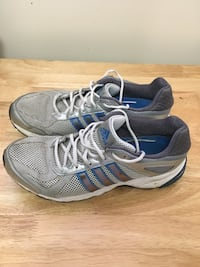 Adidas running shoes Whitby, L1P 1B7