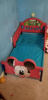 toddler's red and blue Minnie Mouse bed frame Norfolk, 23513