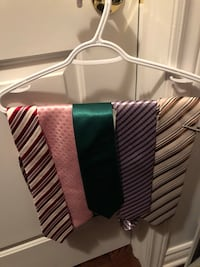 Different colour ties for sale almost new  Montreal, H1J 1G2