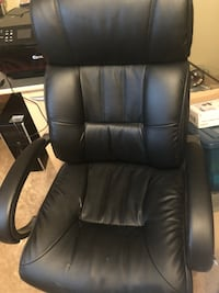 Black leather office rolling armchair Thousand Oaks, 91362