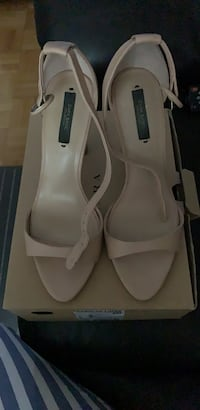 Nude Sandals Vaughan, L6A 3S4